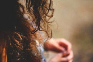 Como Cuidar de Cabelos Ondulados e Crespos