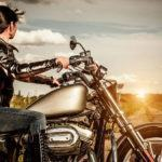 Conduzindo Motos em Estrada de Terra