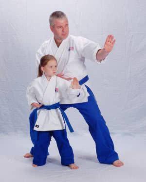 artes marciais criança professor