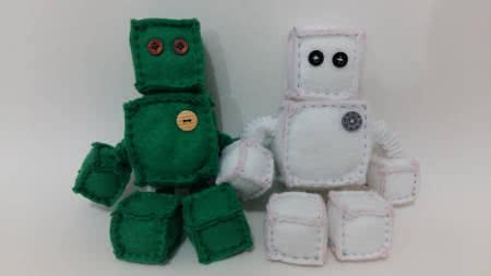 robô de feltro