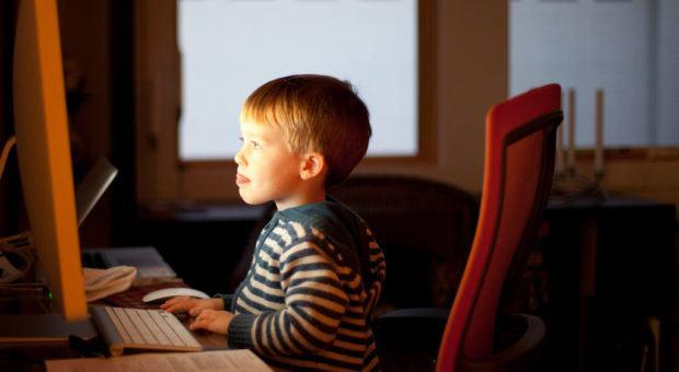 Computadores, Tablets e Celulares na Infância