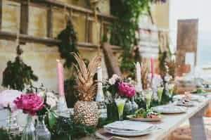 mesa-com-abacaxi