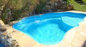 Problemas comuns em piscinas de fibra for Fotos de modelos en piscinas
