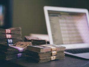 Como Escolher um Programa de Controle Financeiro