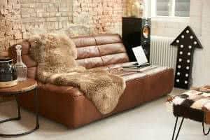 sofá de couro estilo industrial