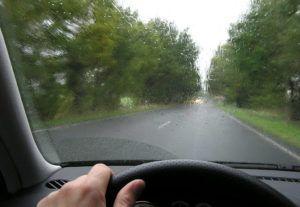 Condução em Viagem: Dicas para Dirigir com Segurança em Estradas