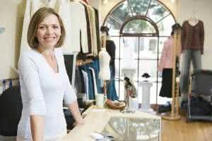 loja de roupas vendedora
