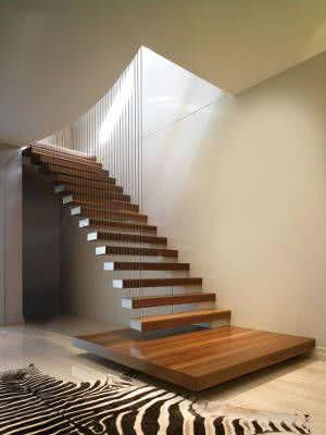 escada suspensa com fios de aço