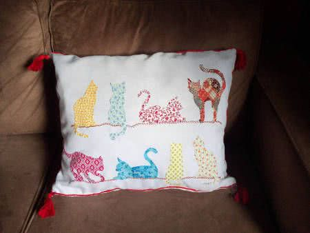 capa almofada decupagem gatos