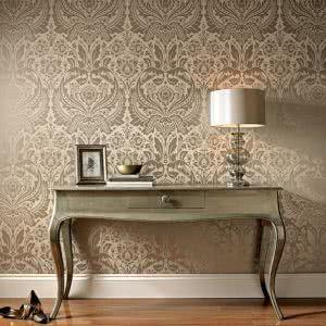 mesa e parede perolizadas