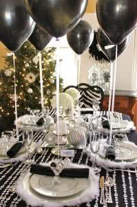 baloes na mesa de jantar