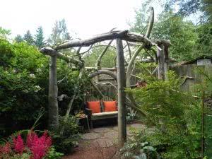 pergolado troncos naturais