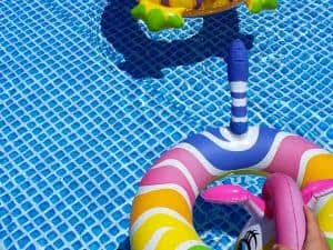 piscina boias