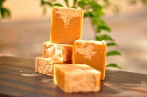 Receitas de Sabonetes Especiais para Rosto e Corpo