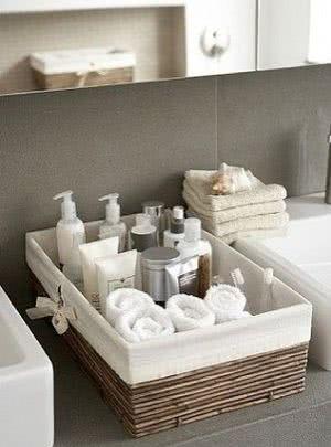 cesta toalhas banheiro