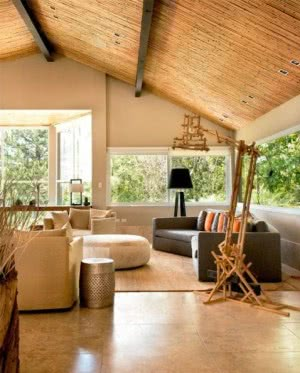teto inclinado bambu