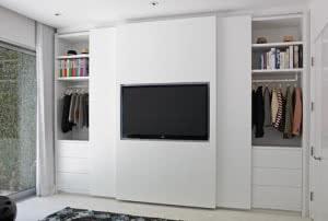 porta com tv 1