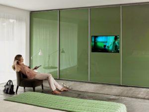 Porta com TV Embutida: Ideal para Espaços Pequenos