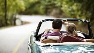 viagem carro casal